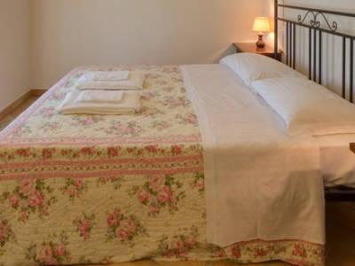 appartamento interno letto