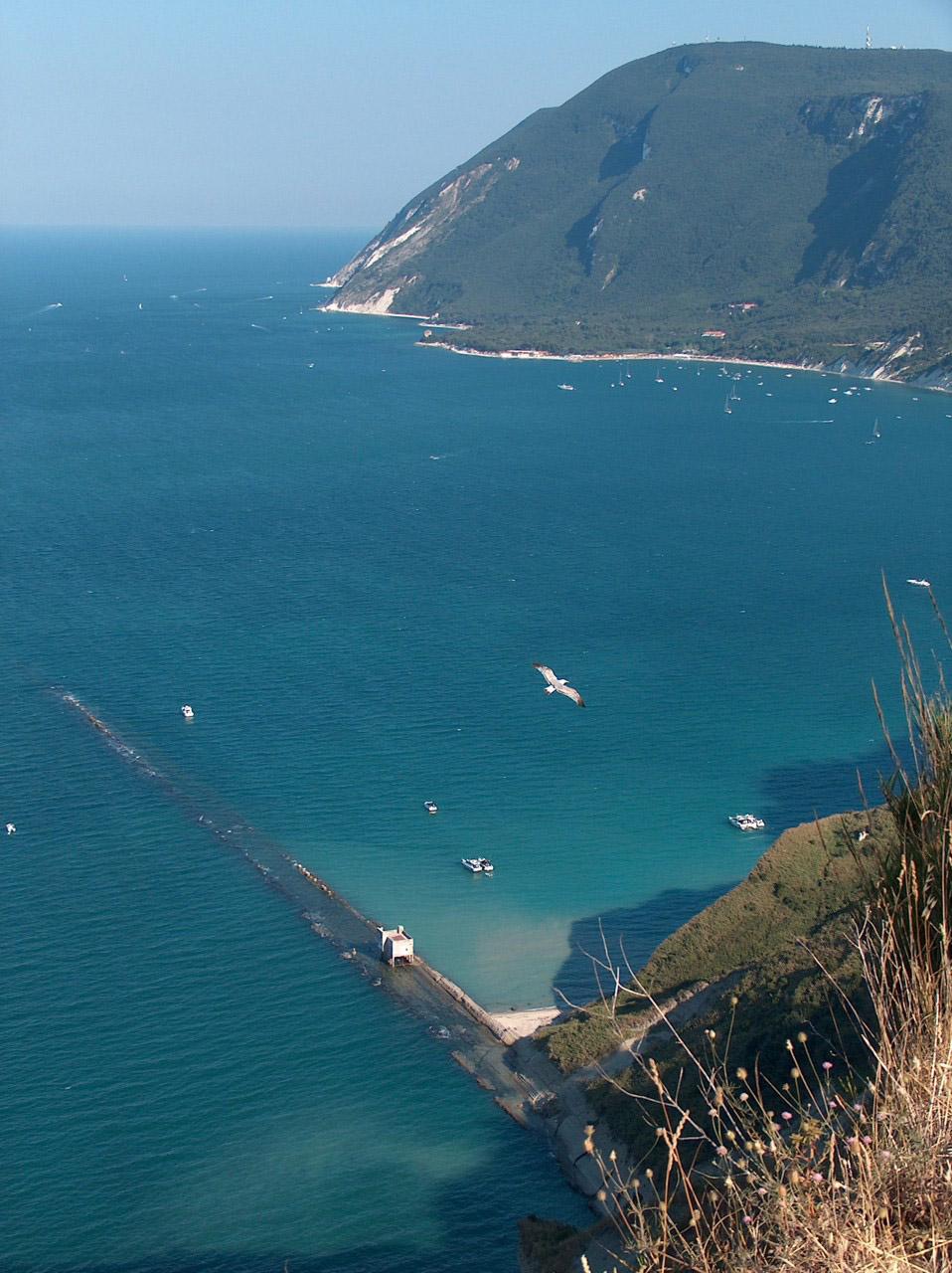 Spiaggia del Trave Portonovo Riviera del Conero